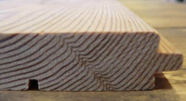 無垢の床材の断面